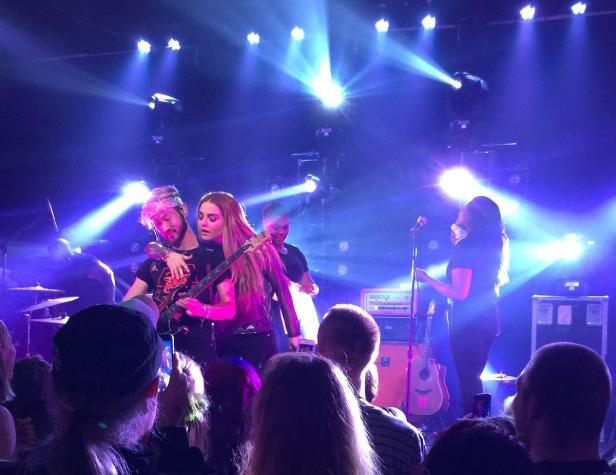 Jo Jo Mad Love Tour (1)
